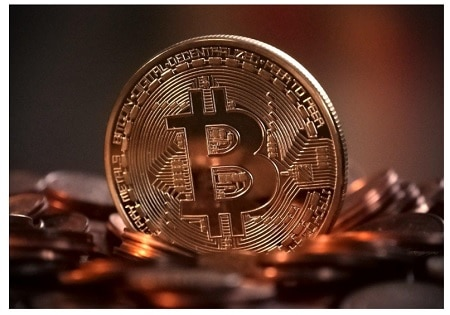 Reasons To Invest in Bitcoin & How To Do It