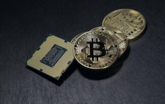 5 Reasons Why You Should Be Investing in Cryptocurrency